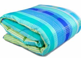 Одеяло синтепон 1,5сп в полиэстере пл 300
